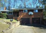 Foreclosed Home en COLLINS DR, Pittsburgh, PA - 15235