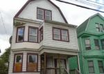 Foreclosed Home en ISABELLA AVE, Irvington, NJ - 07111