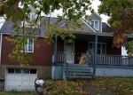 Foreclosed Home en HILLARY DR, Verona, PA - 15147