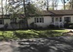 Foreclosed Home en S HOLLY AVE, Absecon, NJ - 08205