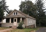 Foreclosed Home en ORIENT ST, Meriden, CT - 06450