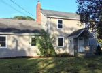 Foreclosed Home en CHESTNUT AVE, Patchogue, NY - 11772