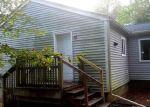 Foreclosed Home en SALT BOX LN, Uncasville, CT - 06382