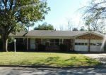 Foreclosed Home en LIPPS DR, Fort Worth, TX - 76134