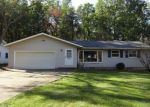 Foreclosed Home en FAIRTREE DR, Strongsville, OH - 44149