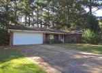 Foreclosed Home en LINDALE ST, Clinton, MS - 39056