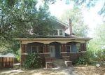 Foreclosed Home en E BROADWAY, Centralia, IL - 62801