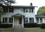 Foreclosed Home en E OAKLAND AVE, Bloomington, IL - 61701