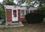 Foreclosed Home en CHARLESTON LN, Hazel Crest, IL - 60429