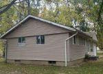 Foreclosed Home en S BALLANTINE AVE, Du Quoin, IL - 62832