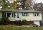 Foreclosed Home en PETER LN, West Haven, CT - 06516