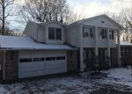 Foreclosed Home en PINE HILLS DR SW, Massillon, OH - 44646