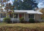 Foreclosed Home en SUNRISE RD, Jasper, AL - 35504
