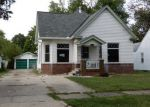 Foreclosed Home en E MOORE ST, Decatur, IL - 62521