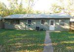 Foreclosed Home en W SAINT LOUIS ST, West Frankfort, IL - 62896
