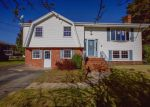 Foreclosed Home en CAMPEAU ST, Woonsocket, RI - 02895