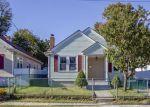 Foreclosed Home en PUMGANSETT ST, Providence, RI - 02908