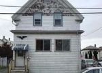 Foreclosed Home en CHILDS ST, Lynn, MA - 01905