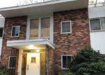 Foreclosed Home en LEXINGTON AVE, Oyster Bay, NY - 11771