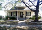 Foreclosed Home en S DOUGLAS AVE, Lyons, KS - 67554