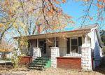 Foreclosed Home en S SYCAMORE ST, Centralia, IL - 62801