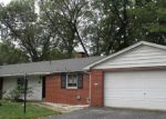 Foreclosed Home en WOODFIELD DR, Belleville, IL - 62226