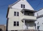 Foreclosed Home en CHARLES ST, Bridgeport, CT - 06606