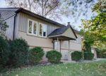Foreclosed Home en W CAMBRIDGE RD, Mundelein, IL - 60060
