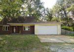 Foreclosed Home en NANETTE DR, Belleville, IL - 62223