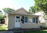 Foreclosed Home en BROADWAY, Westbury, NY - 11590