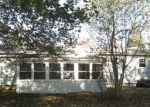 Foreclosed Home en LARCHMONT DR, Coventry, RI - 02816