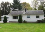 Foreclosed Home en REMICK DR, Clinton Township, MI - 48036