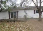 Foreclosed Home en N HENDRICKS AVE, Marion, IN - 46952