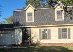 Foreclosed Home en VANGUARD ST, Hope Mills, NC - 28348