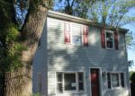 Foreclosed Home en PERKIOMENVILLE RD, Perkiomenville, PA - 18074