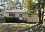 Foreclosed Home en RED OAK DR, Hopewell, VA - 23860