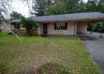 Foreclosed Home en S BEAUCHAMP AVE, Greenville, MS - 38703