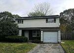 Foreclosed Home en FIESTA DR, Centereach, NY - 11720