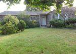 Foreclosed Home en HAMMOND RD, Centereach, NY - 11720