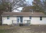 Foreclosed Home en E OAK DR, Millville, NJ - 08332
