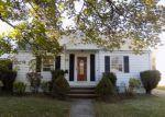 Foreclosed Home en WALTUMA AVE, Edison, NJ - 08837