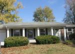Foreclosed Home en GOLD FINCH DR, Florissant, MO - 63031