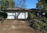 Foreclosed Home en E 15TH ST S, Independence, MO - 64057