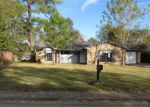 Foreclosed Home en QUEEN PARK CIR, Ocean Springs, MS - 39564