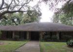 Foreclosed Home en DOVER PL, New Orleans, LA - 70131