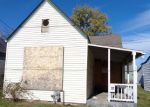 Foreclosed Home en 1/2 CENTER ST, New Albany, IN - 47150