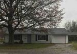 Foreclosed Home en GREENWOOD DR, Churubusco, IN - 46723