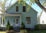 Foreclosed Home en PINE ST, Highland, IL - 62249
