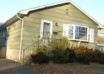 Foreclosed Home en MILFORD AVE, Stratford, CT - 06615