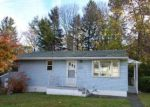 Foreclosed Home en BURTON ST, Watertown, CT - 06795